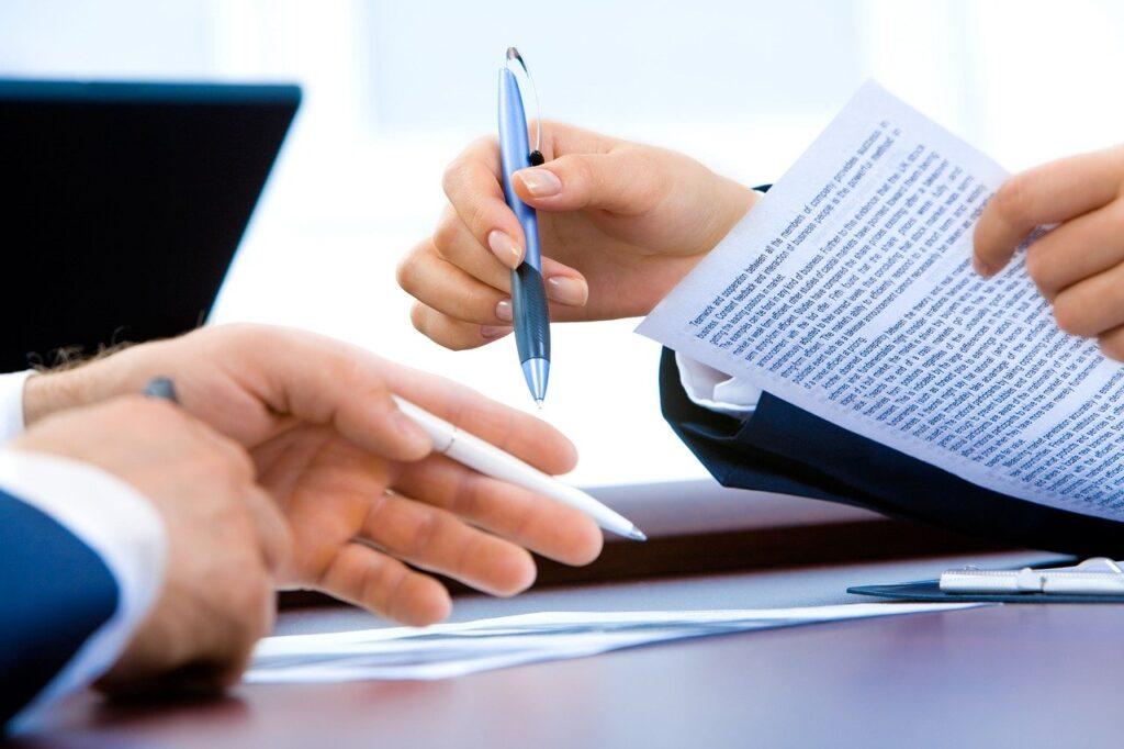 revision contrato